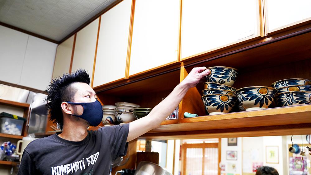 【産地直送】沖縄の名店 米八そばの三枚肉付き そば4食 自家製スープ【送料無料】【CM83MK-4】