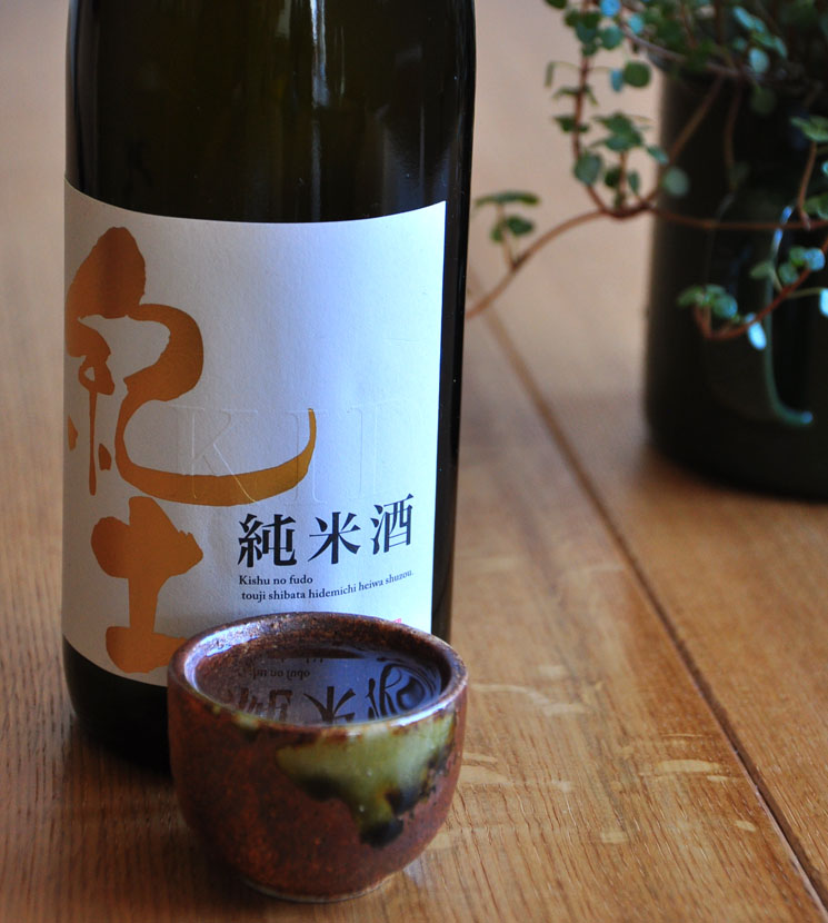 【日本酒】紀土 純米酒<1,800ml>