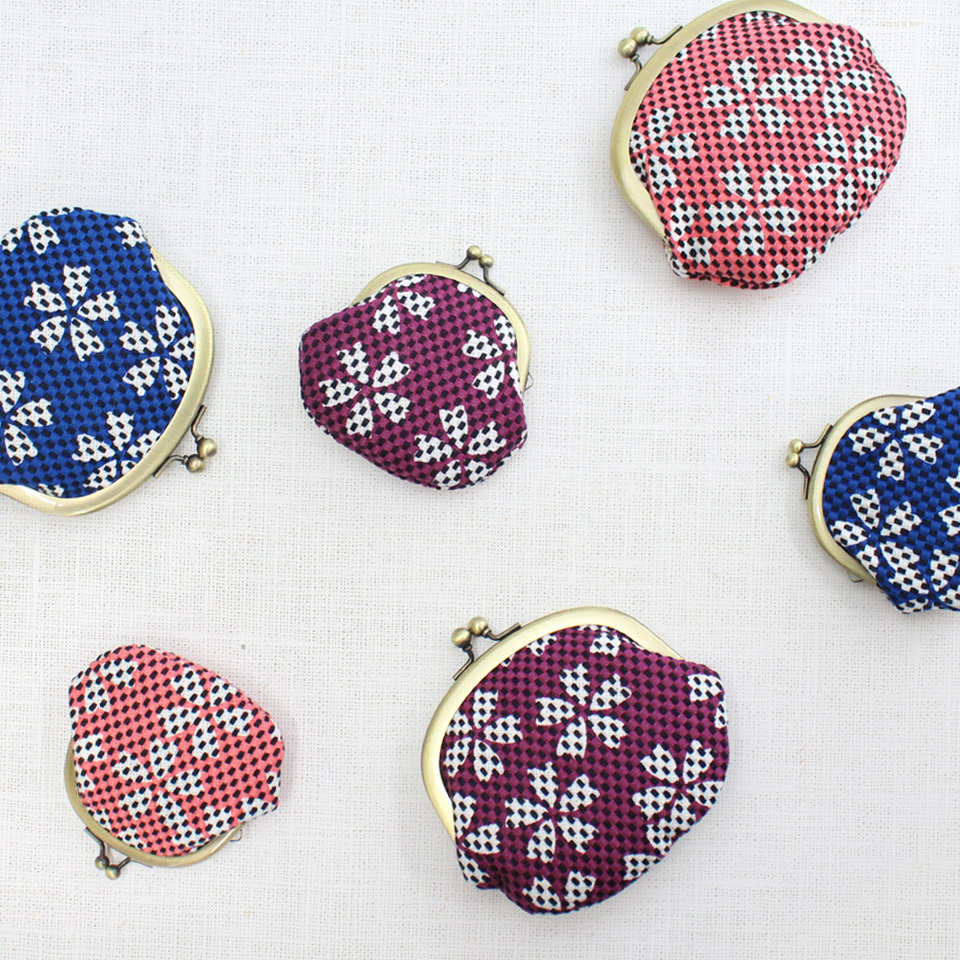【新作】刺子織がま口小銭入れ(大) 市松柄/藍色