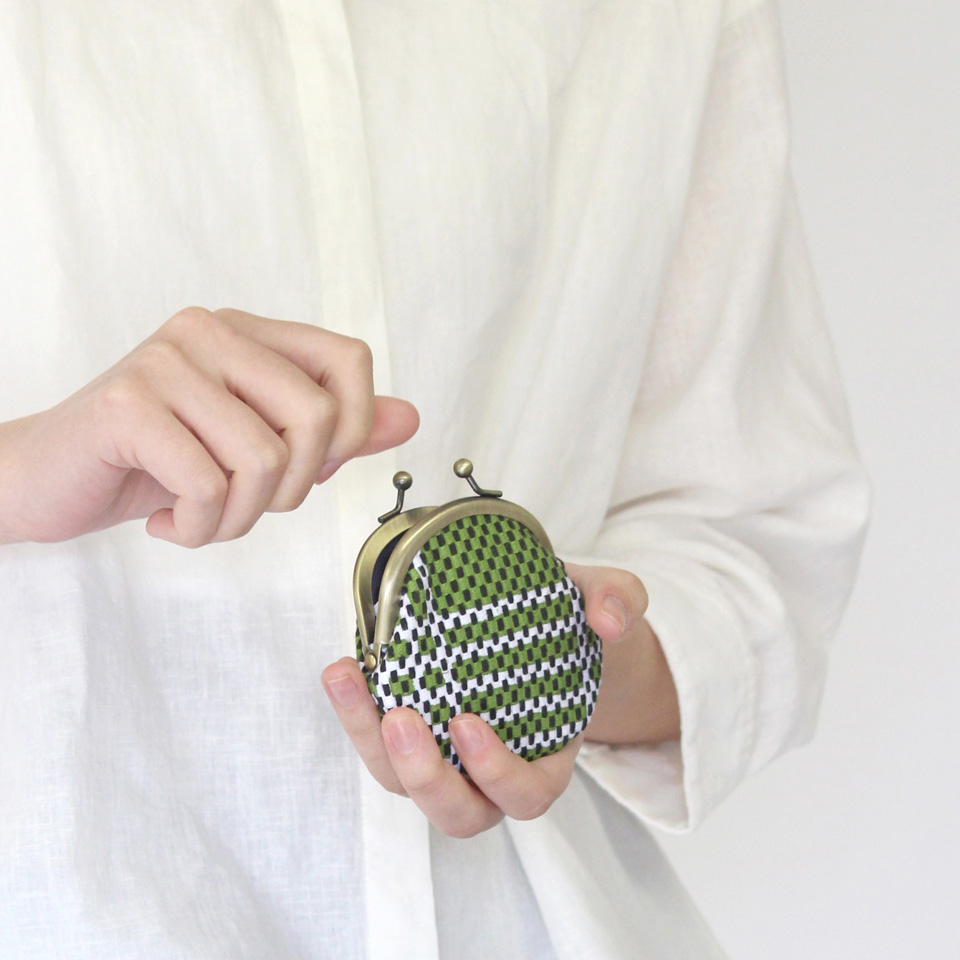 【新作】刺子織がま口小銭入れ(小) 市松柄/藍色