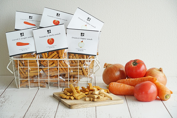 米粉とおからと野菜のおやつ トマト&ガーリック 50g