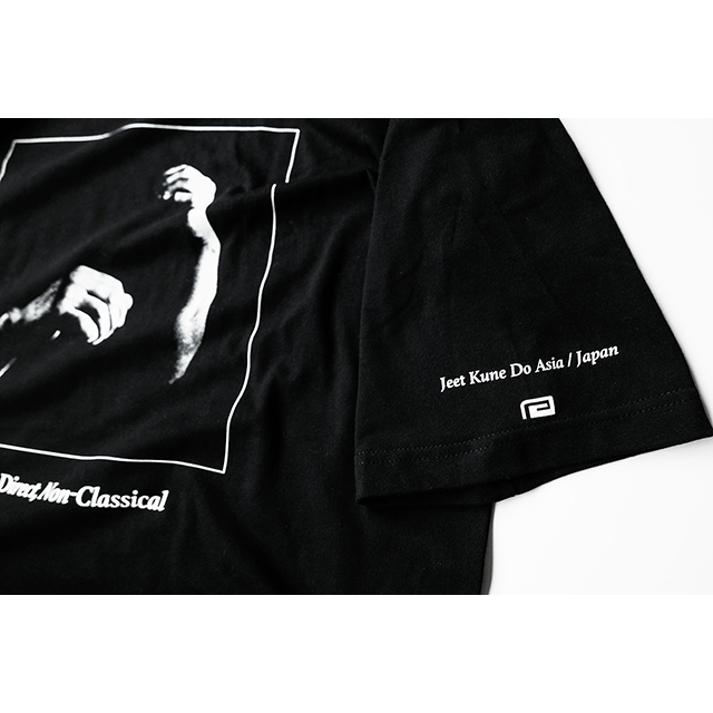 INTERCEPTING FIST TEE(BIG SILHOUETTE POCKET TEE)
