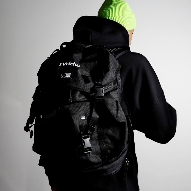 NEW ERA® × rvddw UTILITY 4 POCKET PACK 40L
