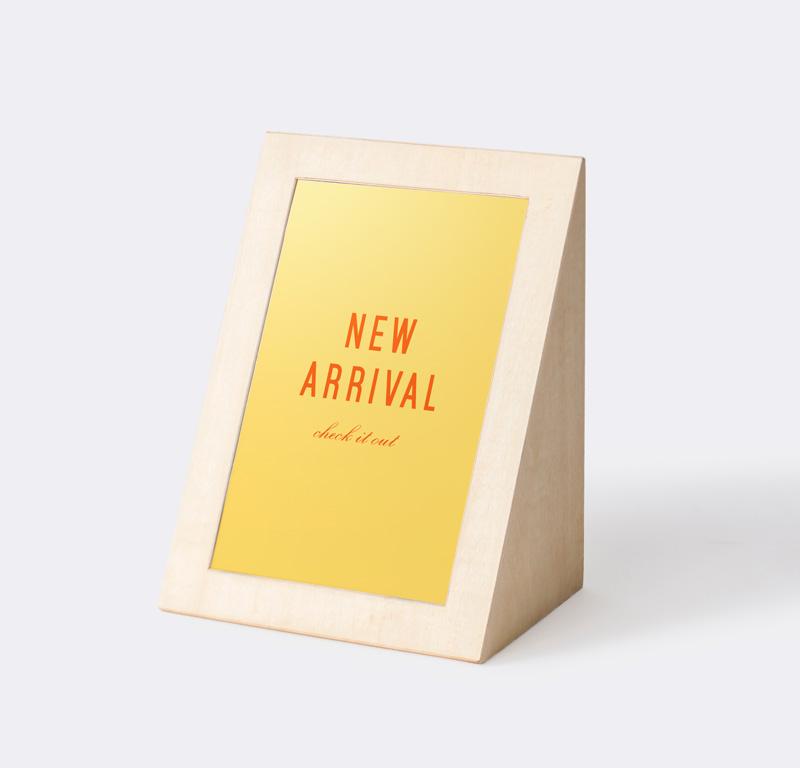 「NEW  ARRIVAL」 木製 三角POP