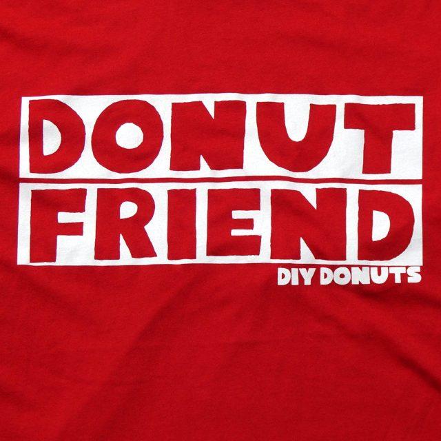 DONUT FRIEND Tシャツ DIY Donuts - Red