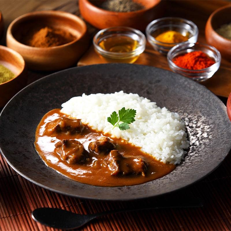 哲多すずらん食品加工 レンジ対応 中辛旨口和牛スパイスカレーセット 4食 常温便
