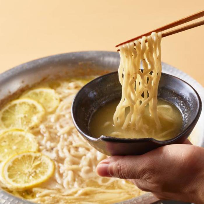 塚田農場特製 黄金スープの濃厚鶏白湯 地鶏鍋 2〜3人前(冷凍)