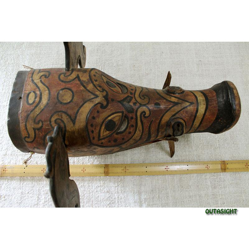木彫りマスク(お面) ダヤック ボルネオ島 インドネシア INNM-24