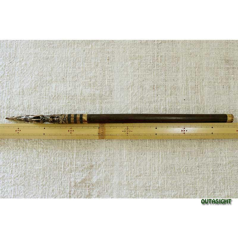 タトゥーナイフの柄 ボルネオ島 インドネシア INAO-22