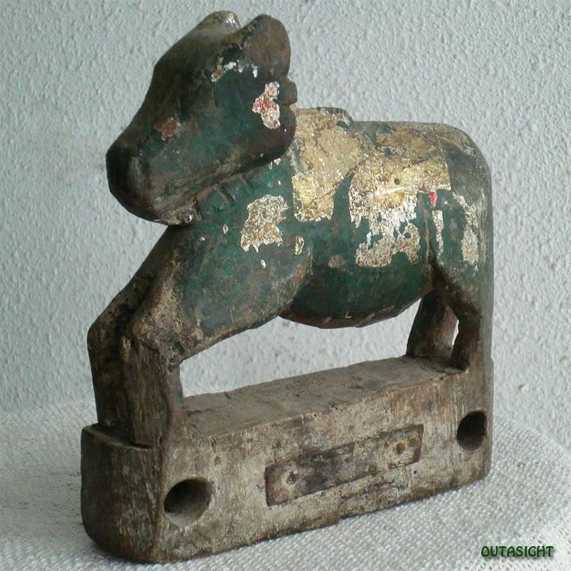 木彫り像 牛 アンティーク ネパール NAS-18
