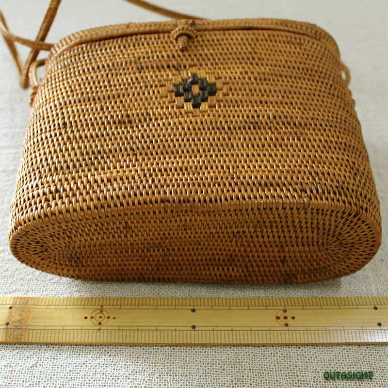 アタバッグ ショルダー 楕円筒形 蓋付 バリ島 INNB-48