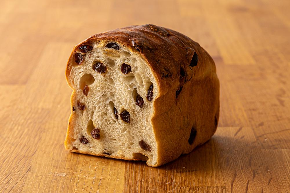 パンデュース自慢の6種類の食パンを食べ比べ