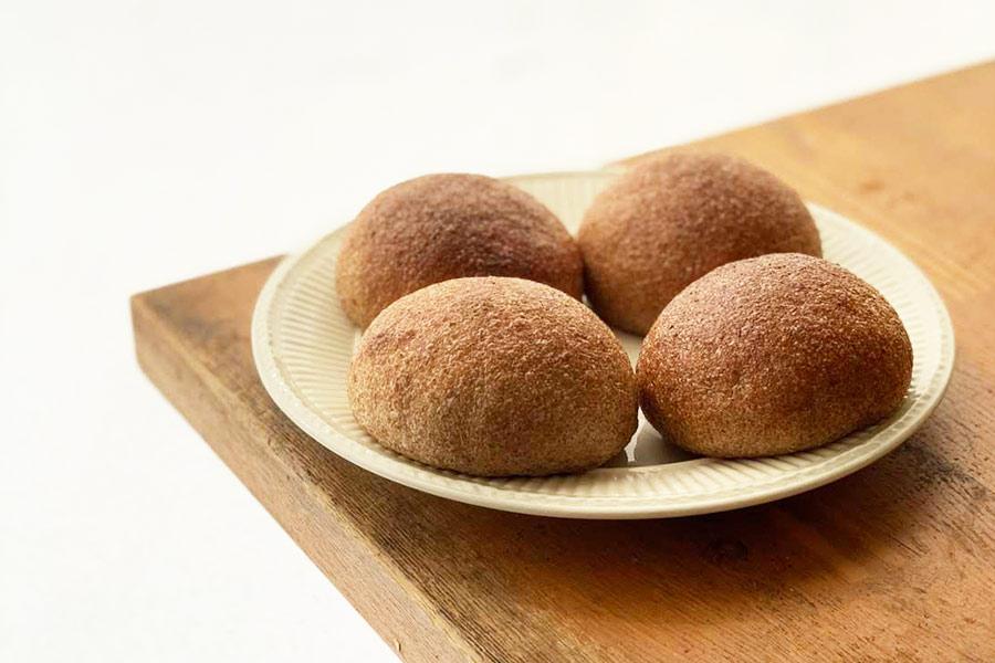 北海道産オーガニックフスマを使った 低糖質プチパン