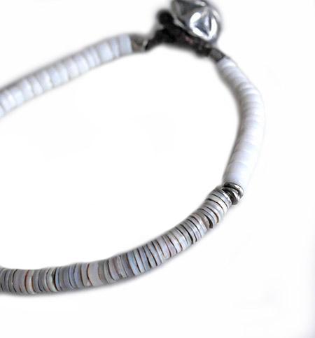 CHAFF DESIGN〔チャフ・デザイン〕Grey Shell On Silver Bracelet