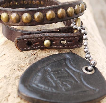 HTC 〔エイチティーシー〕 ブレスレット Bracelet Double Wrap Studs / BROWN