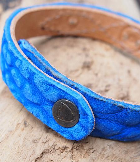 HTC 〔エイチティーシー〕 ブレスレット 別注 Nubuck Leather Turquoise&Umbrella Studs Bracelet / Blue