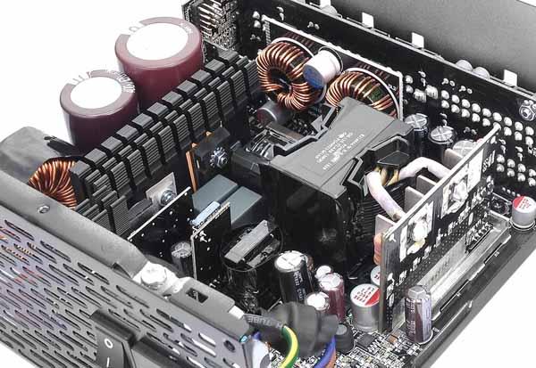Thermaltake TOUGHPOWER DIGITAL iRGB PLUS 850W GOLD デジタル電源ユニット|PS-TPI-0850F3FDGJ-1