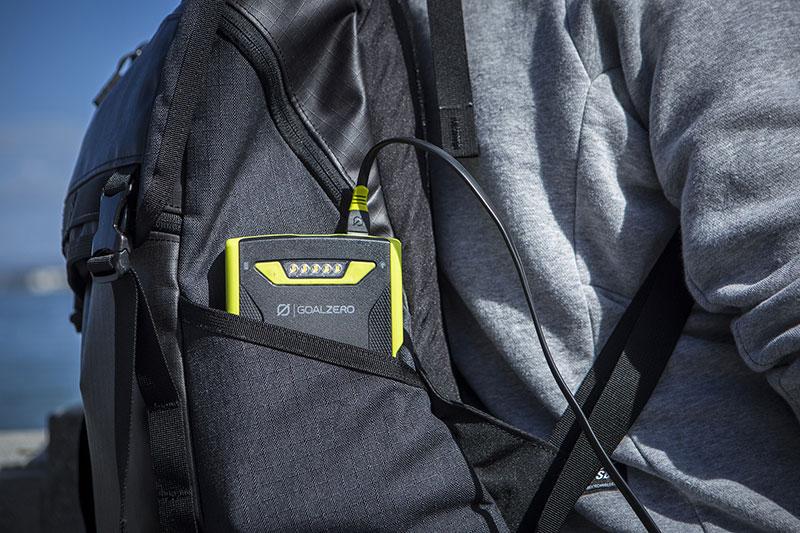 Goal Zero Venture 70 Recharger MicroUSBケーブルx2付属 アウトドア向けの耐水・耐衝撃性を装備17700mAh/454g モバイルバッテリー|22012