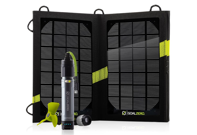 Goal Zero モバイルバッテリーと太陽光充電器セット Switch 10 USB Multi-Tool Kit (21013)