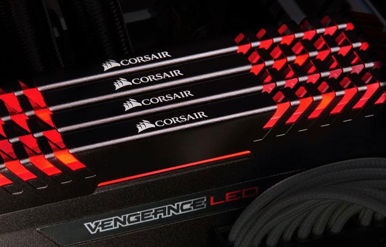 Corsair 32GB(16GBx2) DDR4 3000MHz(PC4-24000) Vengeance レッドLED|CMU32GX4M2C3000C15R