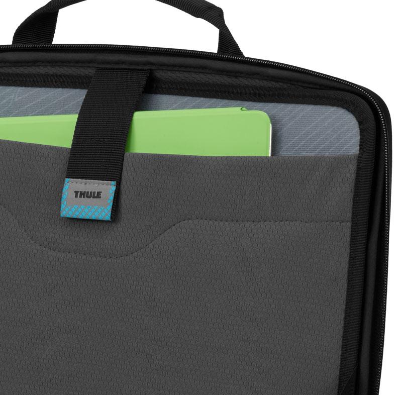 Thule Gauntlet MacBook Pro13インチとiPadが収納可能な高い耐衝撃性を誇るアタッシュケース  (TGPA-213BLK)