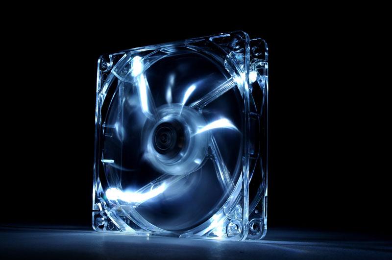 Thermaltake 低ノイズ、長寿命設計の冷却ファン 12cm Pure 12 LED White (CL-F020-PL12WT-A)
