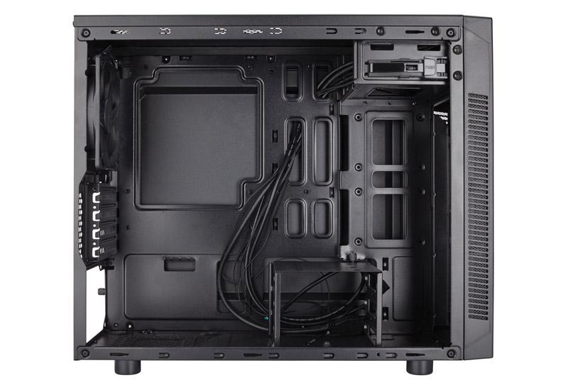【アウトレット特価・新品】Corsair Carbide 88R Silent 水冷ラジエータを取り付け可能なミドルタワー型PCケース (CC-9011086-WW)