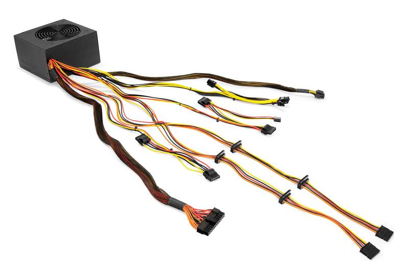 Thermaltake ケーブルマネジメントに適した長めのケーブルを採用する電源ユニット TR2/600W (PS-TR2-0600NPCBJP-B)