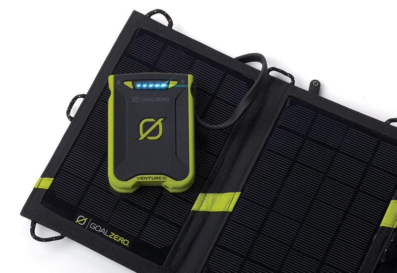 Goal Zero アウトドア向けの耐水・耐衝撃性を装備7,800mAh/250g モバイルバッテリー Venture 30 Recharger (22008)