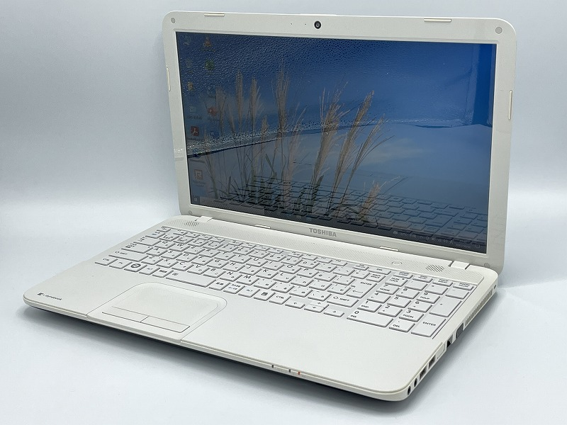 TOSHIBA dynabook T452/33HW 【Microsoft Office 2019 Home and Business (Word/Excel/PowerPoint)設定済】