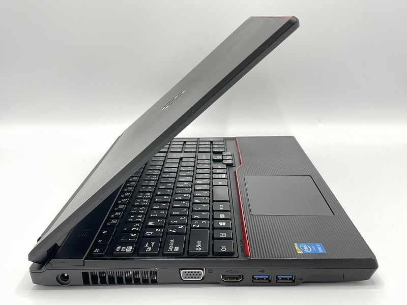 FUJITSU LIFEBOOK A574/M 【Microsoft Office 2019 Home and Business (Word/Excel/PowerPoint)設定済】