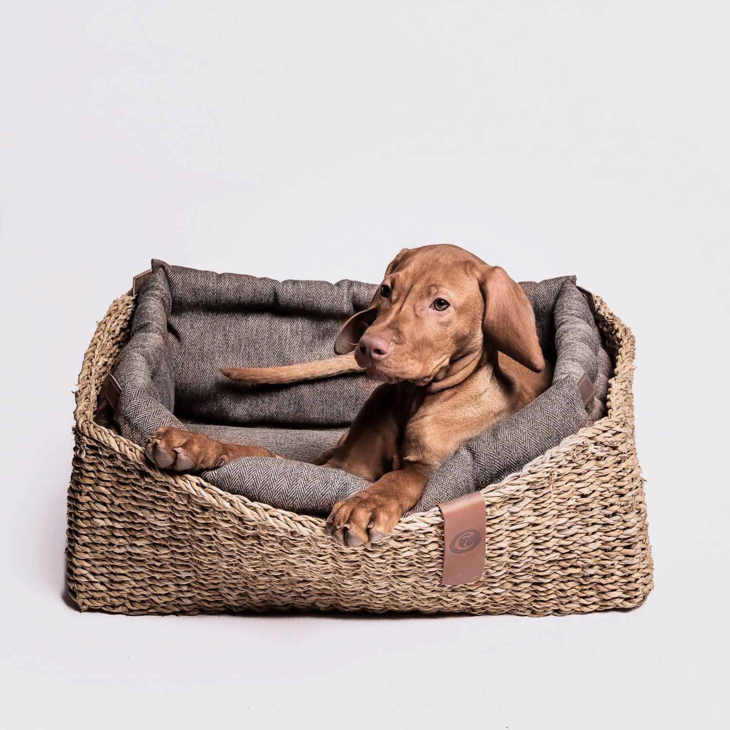 DOG BED HIDEAWAY HERRINGBONE - BROWN