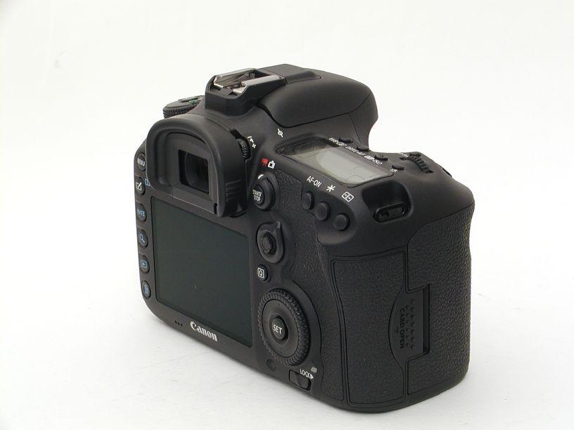 キヤノン EOS 7D MarkII (2020万画素)