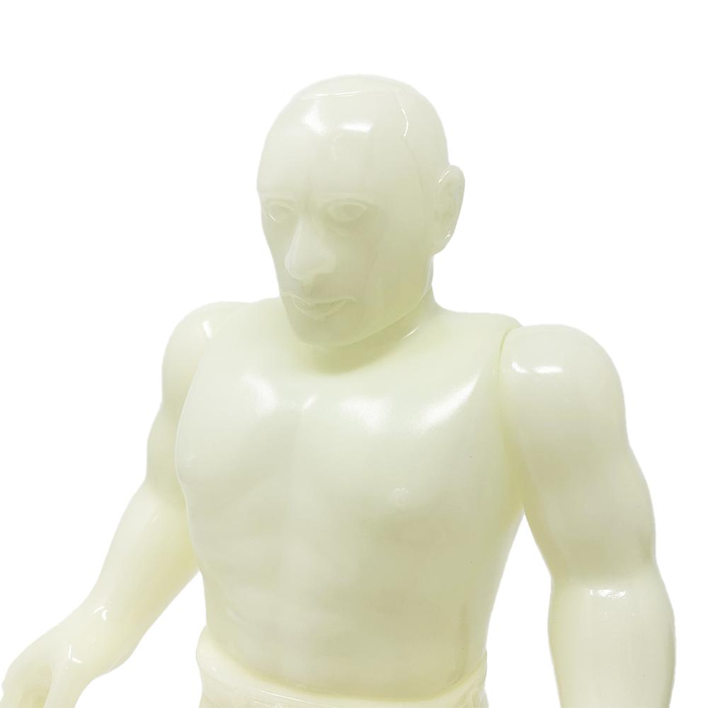 『ロシア人』 半裸/蓄光
