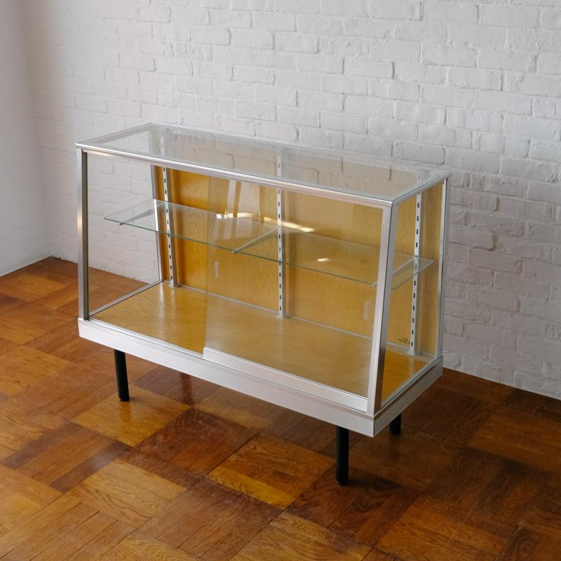 ALUMINIUM GLASS CASE AL-120