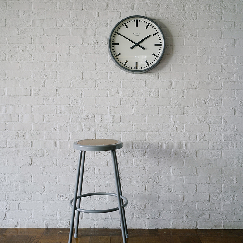 E.A. COMBS WALL CLOCK - (M)φ470