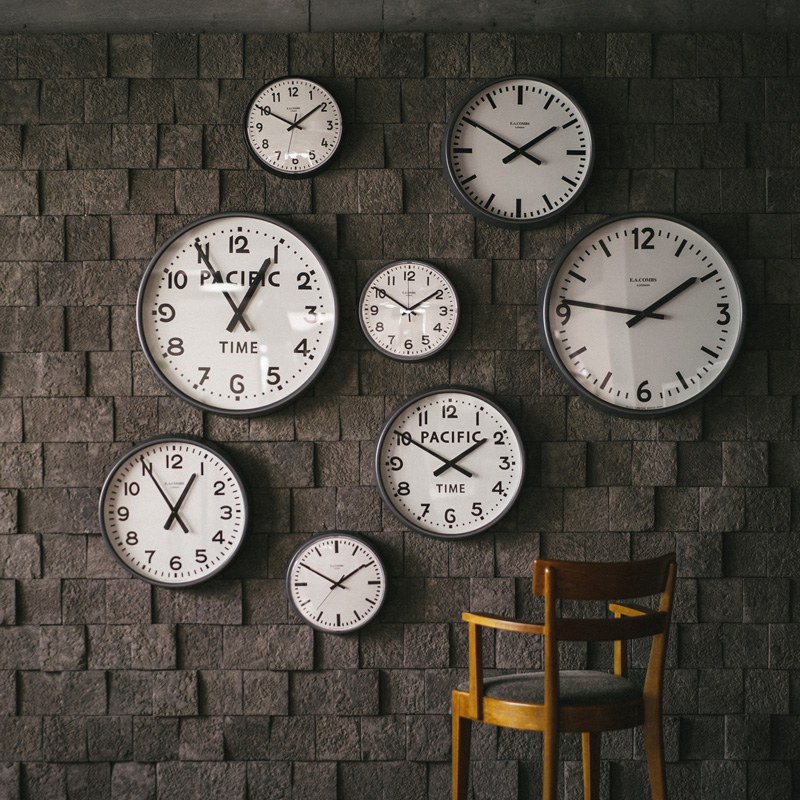 E.A. COMBS WALL CLOCK - (L) φ630