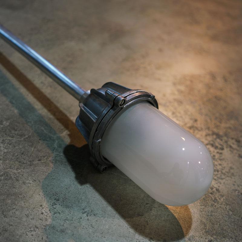 THPG CAST ALUMINIUM CEILING LAMP