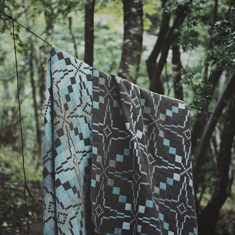 MELIN TREGWYNT BLANKET  -VINTAGE STAR Natural Blue