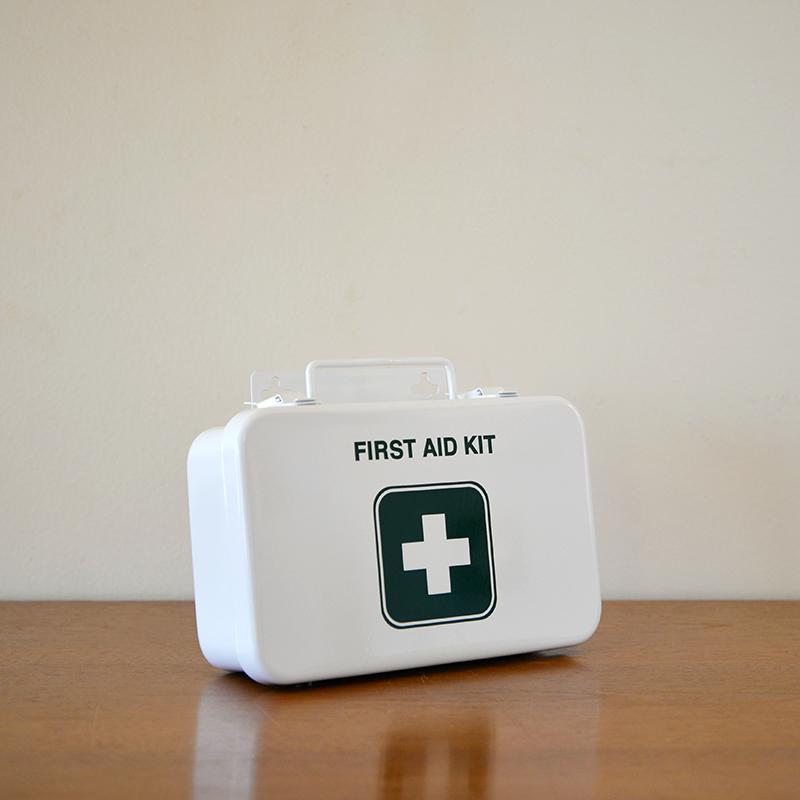 FIRST AID KIT -STENCIL