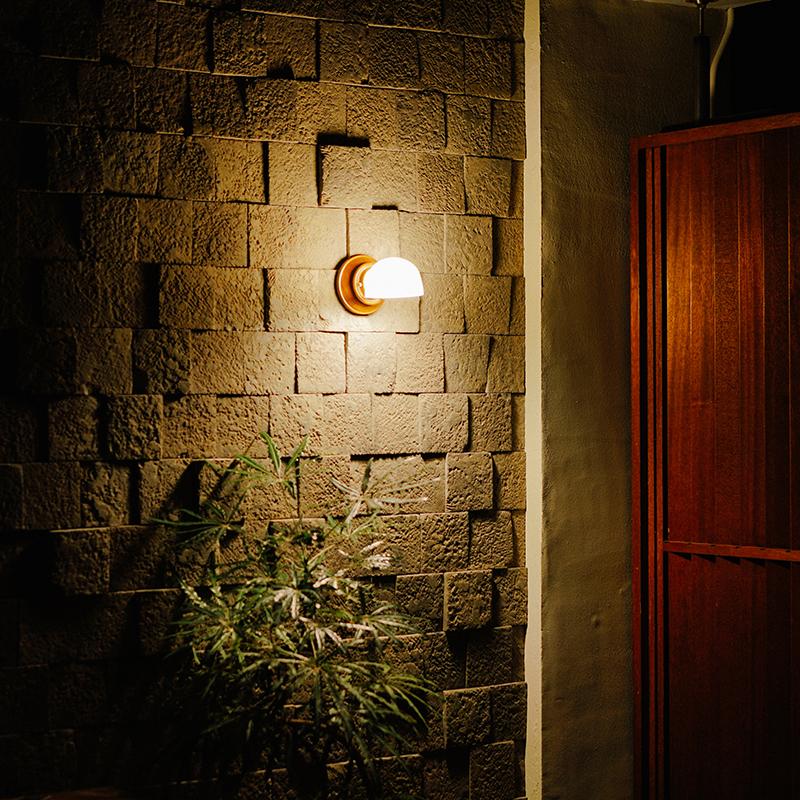MOTEL LAMP