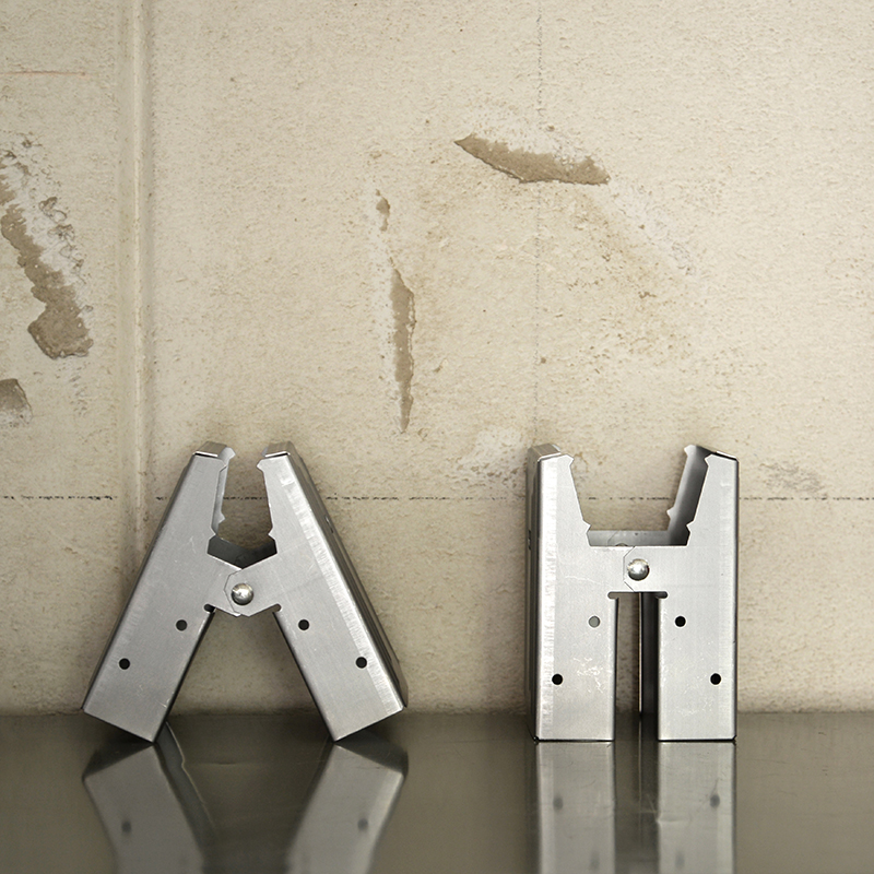 EBCO SAW HORSE BRACKETS