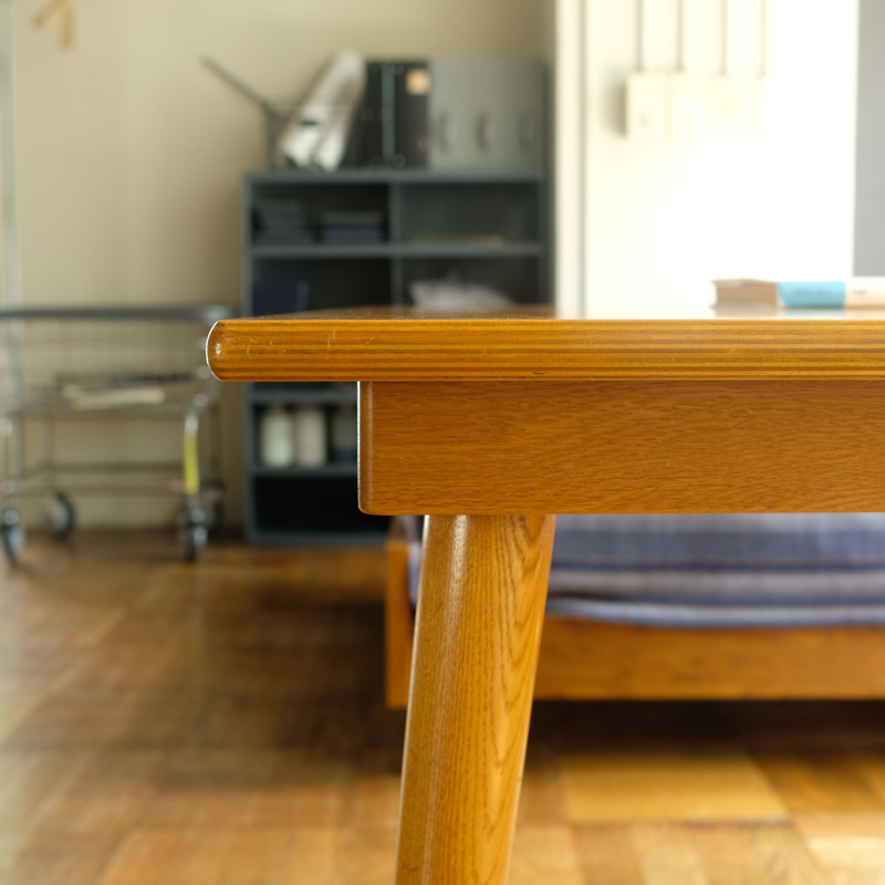 SQUARE TABLE  L /  Lightbrown