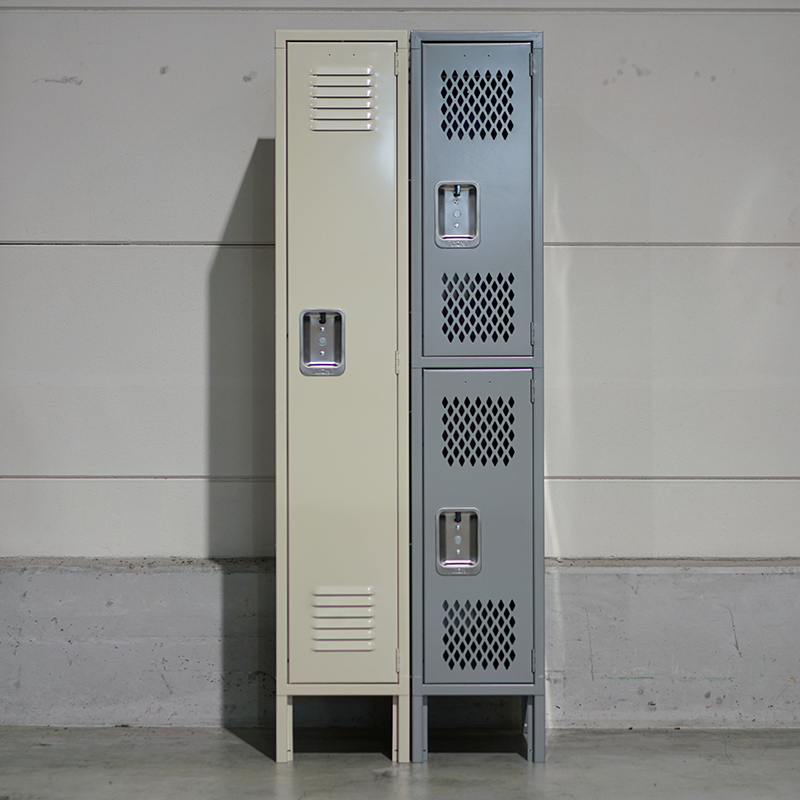 "18"" LYON RECESSED HANDLE LOCKER - 1TIER"