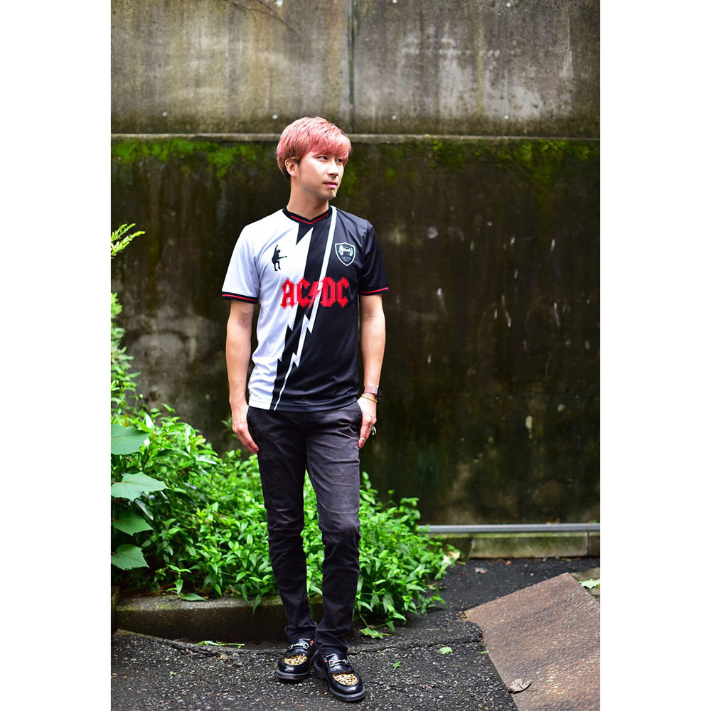 AC/DC エーシーディーシー (初来日40周年 ) - FOR THOSE ABOUT TO ROCK FC / Amplified( ブランド )/ ROCK F.C シリーズ / Tシャツ / メンズ 【公式 / オフィシャル】