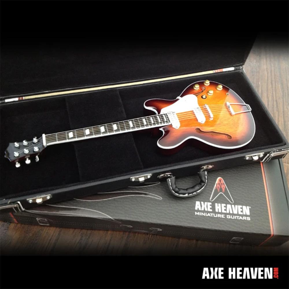 FENDER フェンダー (75th Anniversary ) - Miniature Black Guitar Case with Diecast Logo / ミニチュア楽器