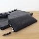 カーフの柔らかみと精緻なエンボスによる、得も言われぬ持ち心地のラウンドファスナー長財布。 P888WW (ワープロラックスカーフ)(カード13枚収納)(小銭付)