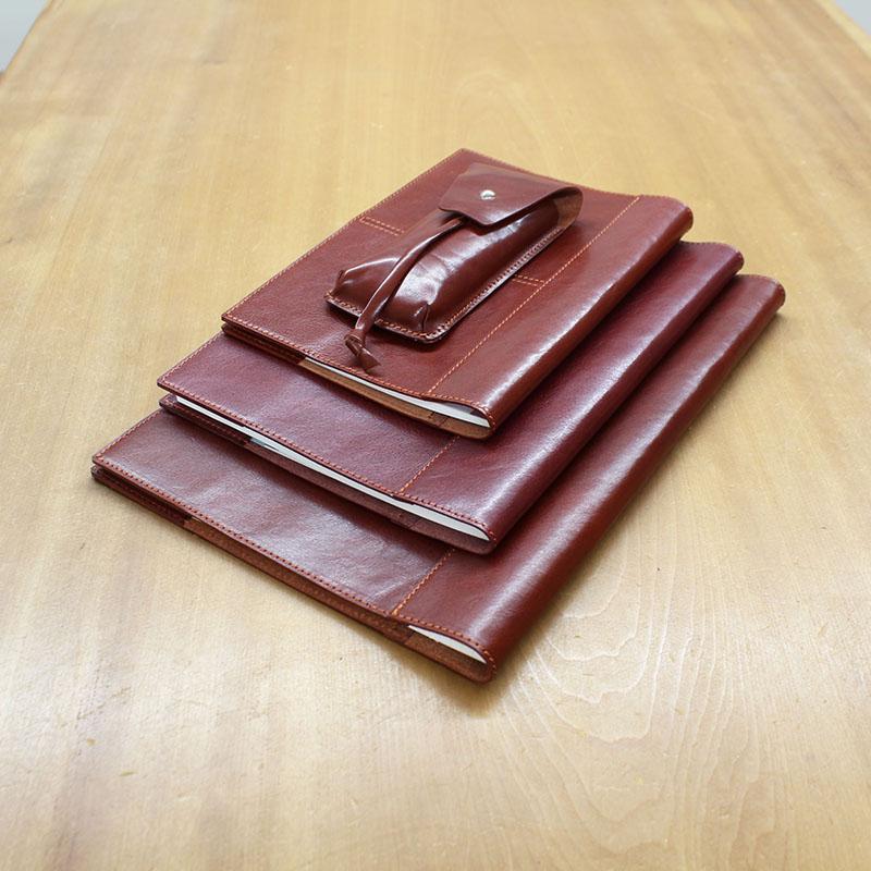 イタリアンレザーのノートカバー(A4判)とペンケースのセット