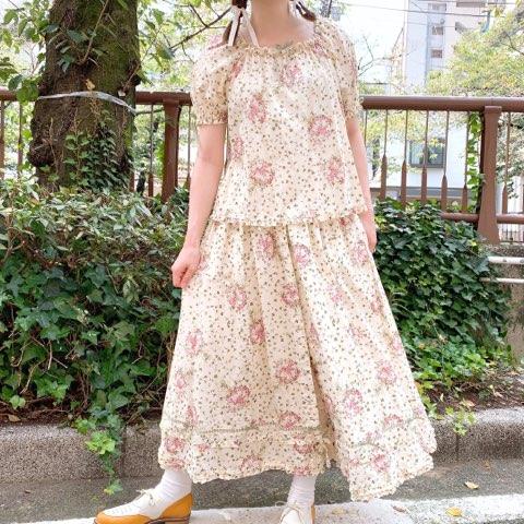 シロツメ草とレンゲ草プリントスカート