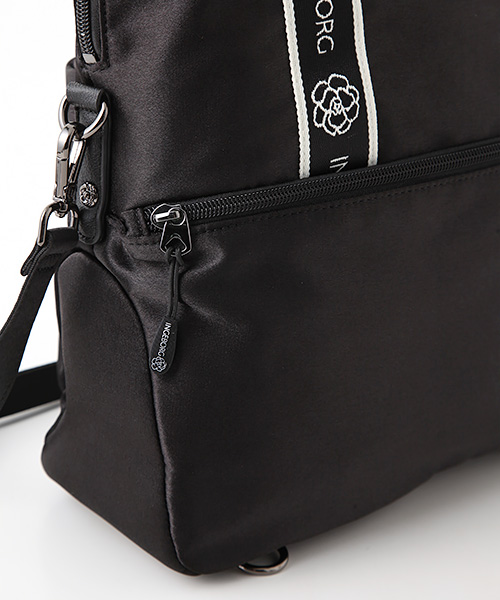 【EC先行販売】ロゴ&カメリアテープマットサテン3WAYバッグ
